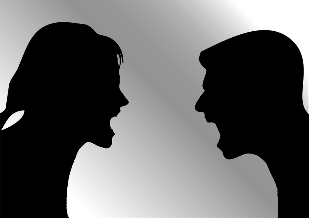 İlişkide tartışma